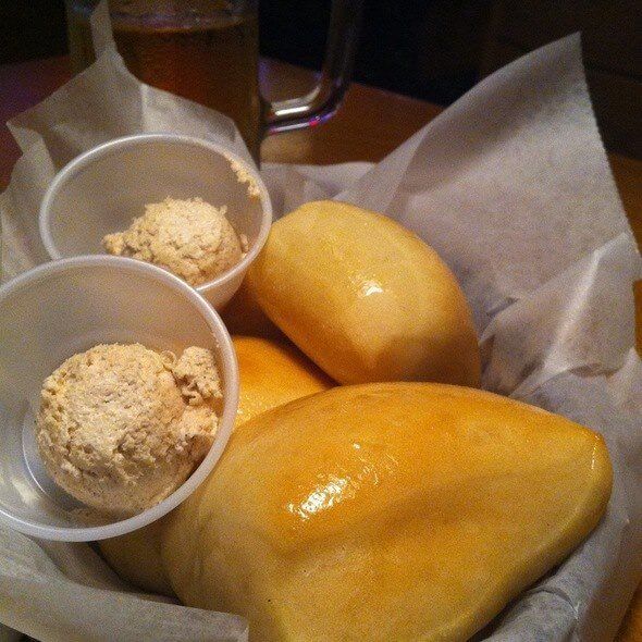 Texas Roadhouse's Rolls with Honey Cinnamon Butter