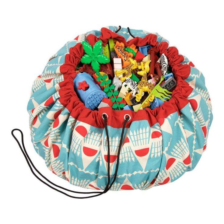 Ce sac ingénieux est parfait pour tous les petits sportifs avec son joli motif de volant de badminton imaginé par Play and Go et Bakker made with Love !