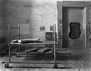 Margaret Stratton: Cart, House of the Poor, Naples, Italy, 2001