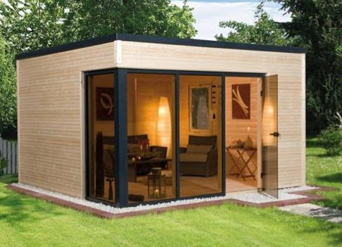 Garden office/posh shed.