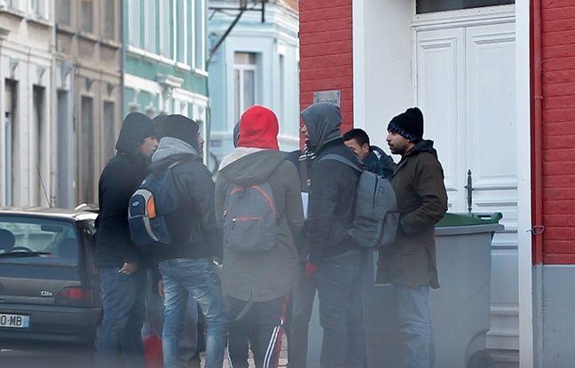 Cela fait trois mois que Calais a tourné la page de la « jungle », ce campement géant de migrants démantelé fin octobre. Mais la ville n'en a pas fini avec les arrivées de ces réfugiés, dont le but reste de passer en Angleterre.