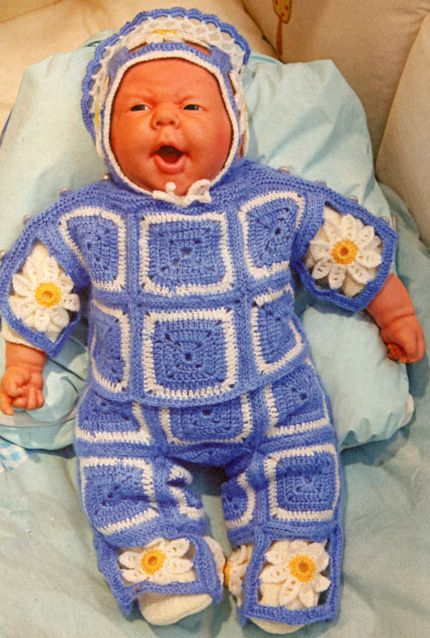 Вязаная одежда для кукол крючком и спицами: схемы вязания