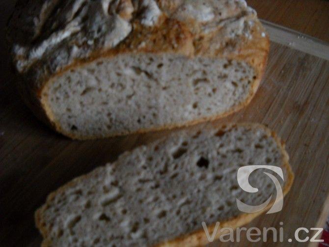 Další z receptů na dobrý chléb, tento je dlouze kynutý a připravuje se bez hnětení.