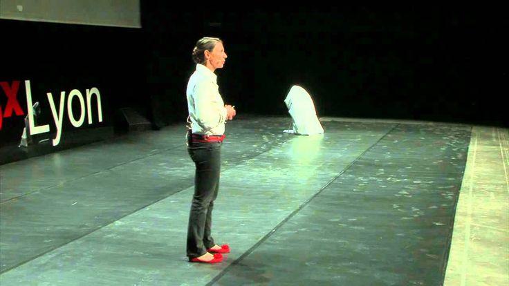 """TEDxLyon - Claire Blondel - L'éducation positive. """"En France, on enseigne qu'il est interdit de se tromper"""""""