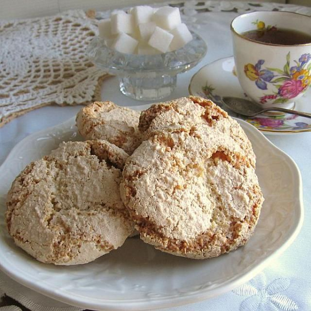 Polish almond cookies or amaretti are flourless drop cookies that are perfect with tea or coffee, and are often made for Christmas.
