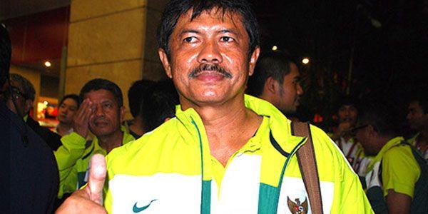 Indra Syafri: Saya Siap Latih Timnas U-19 - http://www.sundul.com/berita-bola/liga-indonesia/2013/04/indra-syafri-saya-siap-latih-timnas-u-19/