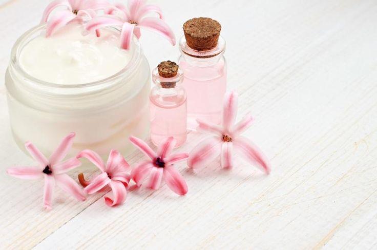 Cremas reafirmantes caseras para el cuerpo. Tenemos a nuestro alcance una amplia gama de cremas hidratantes corporales entre las que podemos encontrar la perfecta para nosotras. Sin embargo, cuando además de nutrición lo que deseamos es tersar ...