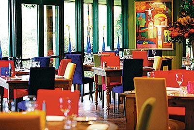 Shakey Tables. Off the beaten track. Querky & Colourful. Dinner 7 days. Lunch Sat & Sun. 1476 Wine Country Drive, Nth Rothbury. 49381744