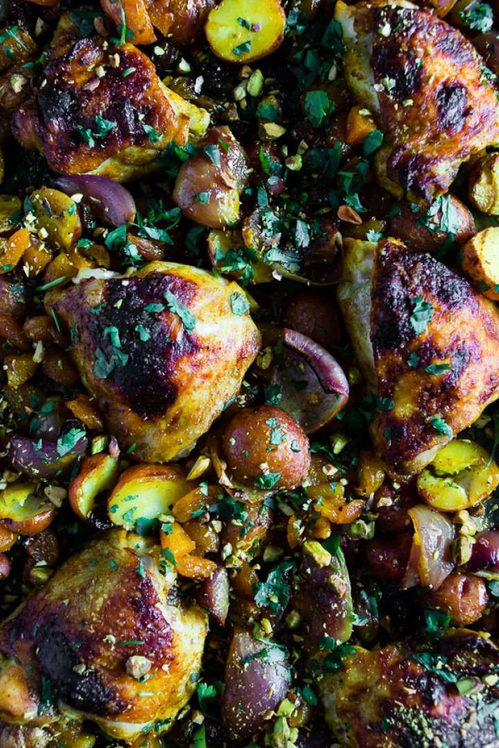 You won't be able to get enough of this Moroccan chicken and potatoes recipe, bursting with exotic f... - Nutmeg Nanny
