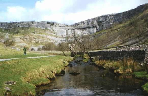Malham Cove Walks  Walk 1- The Malham Circular -5 miles (family walk) Walk 2 - Gordale Scar and Malham Tarn- 8 miles Walk 3 - Gargrave to Settle - 12 miles