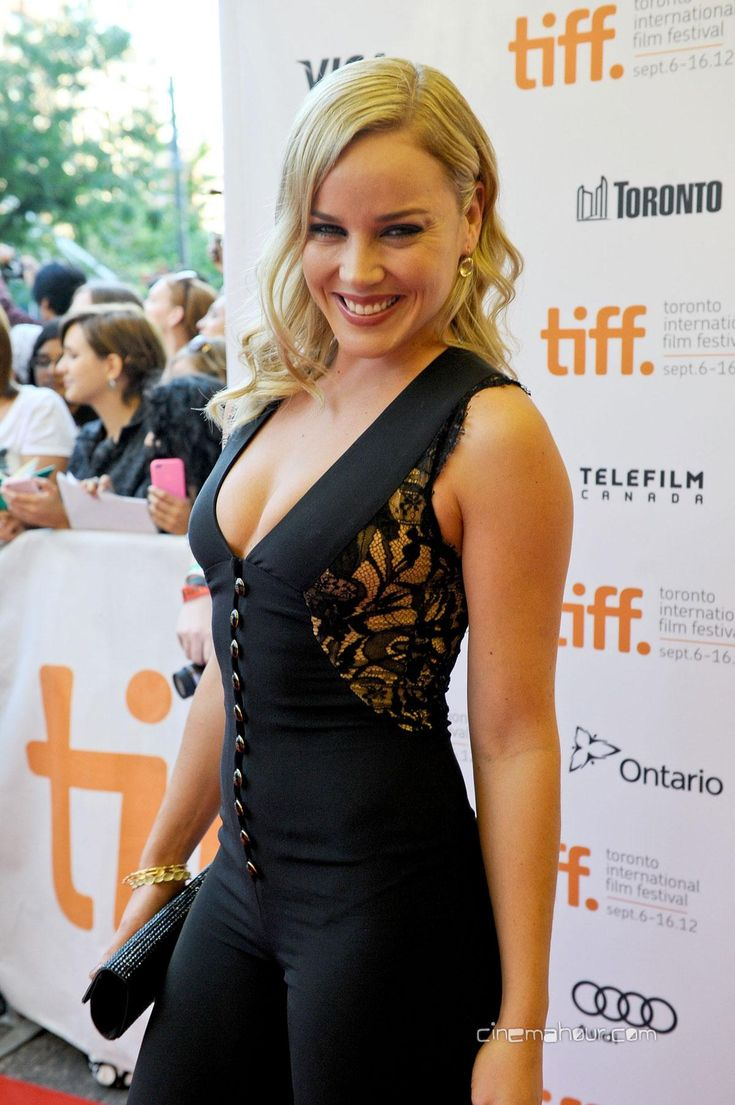 Splendid paragon of beauty Abbie Cornish ...  Snazzy Styles...   In 1999, Cornish was awarded the Australian Film Institute Young Actor's Award for her role in the ABC's television show Wildside and was offered her first role in a feature film, The Monkey's Mask.