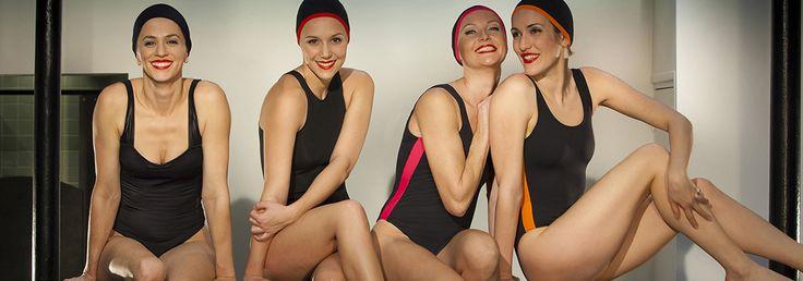 Livraison gratuite sur Abysse-sport.com de tous les bonnets de bain Cardo ( Photo par Pierre-Anthony Allard)  Maillots de bain, bonnets de bain, serviettes et accessoires élégants pour nageurs et nageuses.