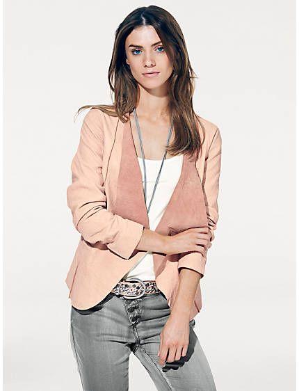La veste en cuir rose qu'il faut ! https://www.helline.fr/mode/b-c-best-connections-veste-en-cuir-agneau-nappa-81283409.html