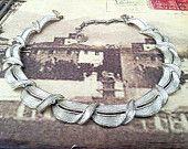 1940'S Lisner necklace signed