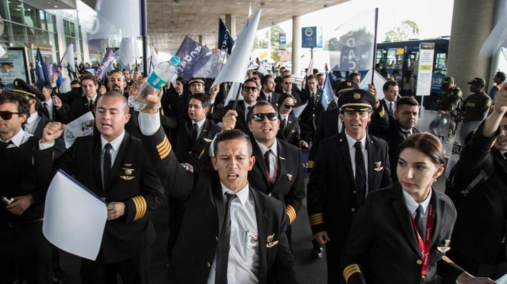 Anuncian supervisión de tarifas aéreas en Colombia ante paro en Avianca