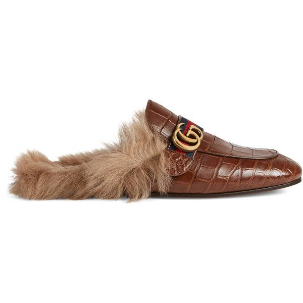 Gucci Princetown Crocodile Slipper With Double G (€2.295) ❤ liked on Polyvore featuring men's fashion, men's shoes, men's slippers, cuir, mens crocodile shoes, mens fur lined slippers, gucci mens slippers, gucci mens shoes and crocs mens shoes
