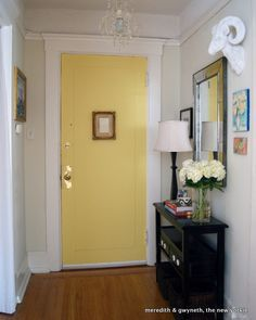 25 Best Ideas About Small Apartment Entryway On Pinterest Small Hall Table Small Front Entryways And