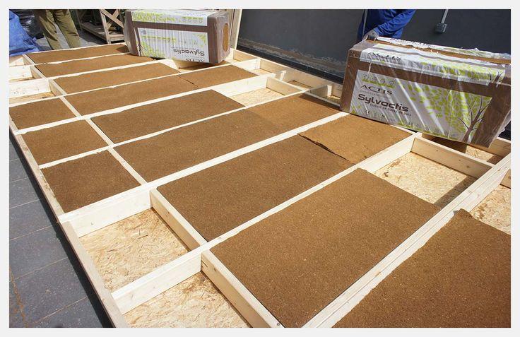 Aislamiento de suelos: Pero más allá de todos los tipos de aislamiento de suelos el más buscado y también el más usado es el aislamiento o impermeabilización contra la humedad. http://www.equipamientohogar.com/revestimientos/aislamiento-de-suelos/ http://www.empresadereformas.ws/aislamiento/aislamiento-de-suelos.html