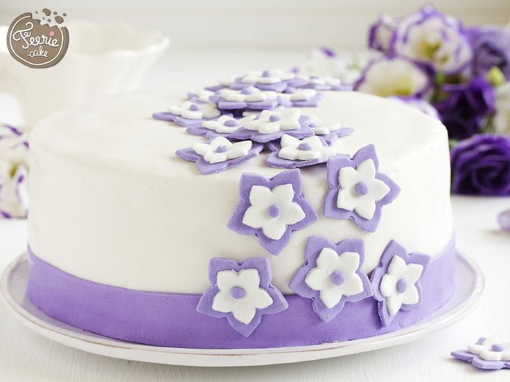 17 meilleures id es propos de g teaux d 39 anniversaire de for Decoration gateau pate a sucre