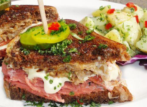 Fast Food Restaurants That Sell Nachos