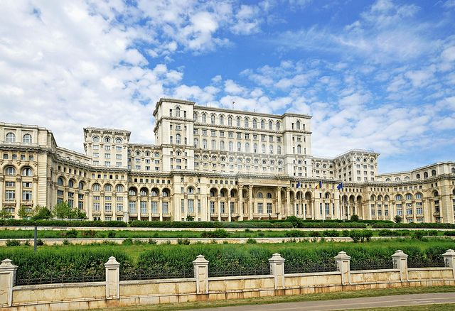 Palace of Parliament - Bucharest, photo by Dennis Jarvis (travelaway.me)