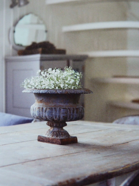 Decorative Urns For Plants Interesting 209 Best Urns Images On Pinterest  Garden Urns Urn Planters And Inspiration