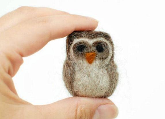 "Needle felted owl ""how to"" ... step-by-step photo tutorial #owl #needlefelt #felting"