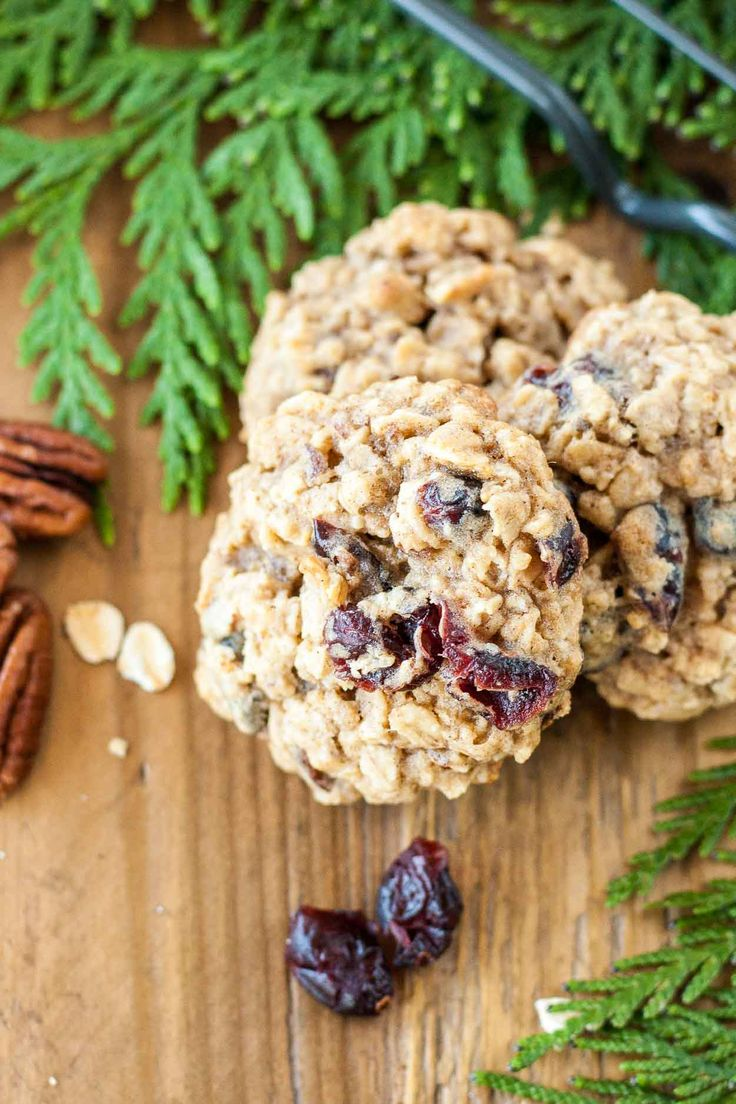 The traditional oatmeal cookie gets a festive makeover with the addition of cranberries and pecans! livforcake.com