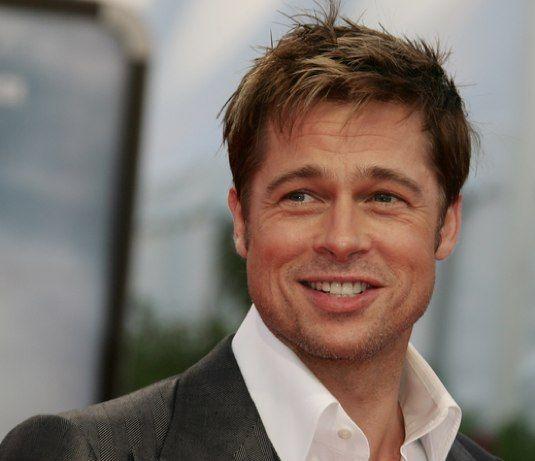 Forse anche Brad Pitt, così come Marilyn, potrà prossimamente affermare che va a letto indossando solo due gocce di Chanel n.5. L´attore americano è stato infatti scelto dalla famosa Maison francese per la prossima campagna pubblicitaria proprio del celebre Chanel n.5.