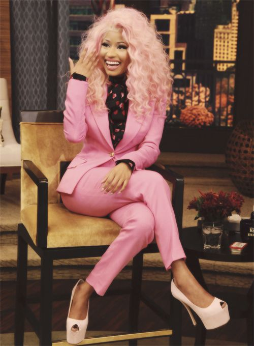 taliaitscoldoutside:  Nicki understand color theory so well it...