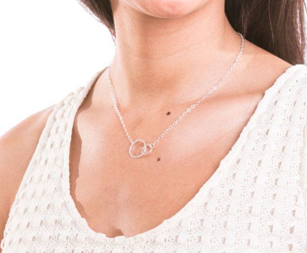 Collar doble circulo, collar de alianzas de plata. Collar infinito de plata / Interlocking circle necklace, infinity necklace - hecho a mano en DaWanda.es
