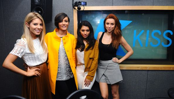 http://chicagofabulousblog.com/wp-content/uploads/2014/04/The-Saturdays.jpgMolly King, Frankie Sandford, Vanessa White and Una Healy of The Saturdays with Live@Kiss Presenters Michael Lewis and Tinea Taylor at Kiss FM Studio's in London.   		 			#gallery-11  				margin: auto; 			 			#gallery-11 .gallery-item { 				float: left; 				margin-top:... http://chicagofabulousblog.com/