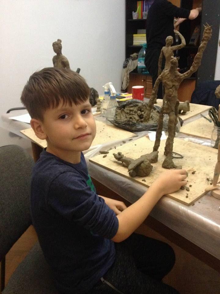 Ateliere de arta - sculptura si modelaj in lut in care vei aprofunda tainele sculpturii.  - coordonat de sculptorita Bianca Mann.  Pentru detalii: 0736 913 866 office@mara-study.ro www.mara-study.ro