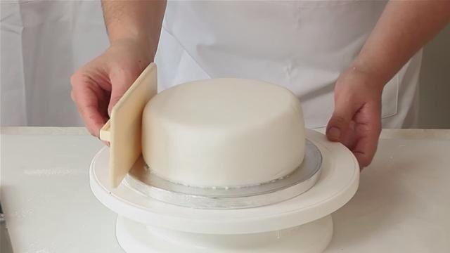 O Glacê Mármore é uma forma prática e deliciosa de cobrir os seus bolos e deixá-los com acabamento profissional. Experimente e conquiste ainda mais cliente