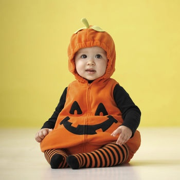 Pumpkin Halloween Costume... So cute... But would you put a boy in it? Hubby says its too girly...