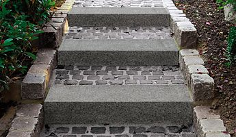Granit-Blockstufen