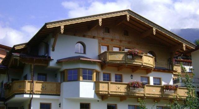 Apartment Zell am Ziller 2 - #Apartments - EUR 75 - #Hotels #Österreich #ZellAmZiller http://www.justigo.com.de/hotels/austria/zell-am-ziller/apartment-zell-am-ziller-2_43214.html