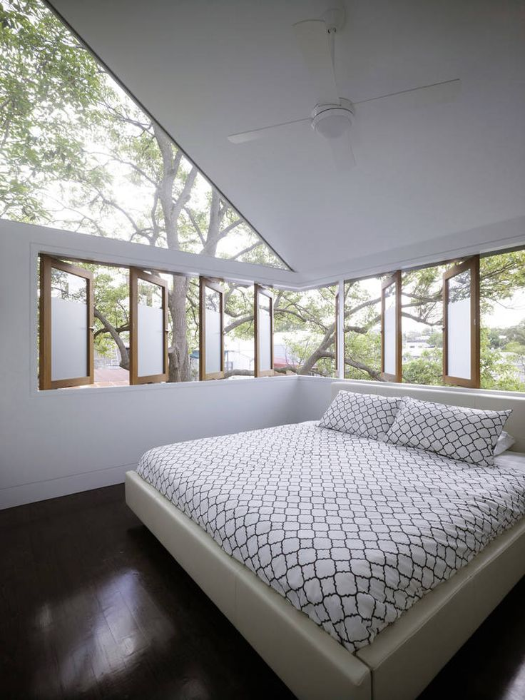Cool bedroom windows at Elliott Ripper House, Sydney, Australia by Christopher Polly Architect / TechNews24h.com