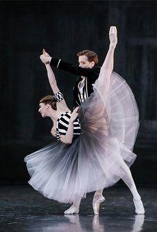 Paris Opera Ballet.....partnering a penche'............................................................................................................................... pari1609a_01.jpg