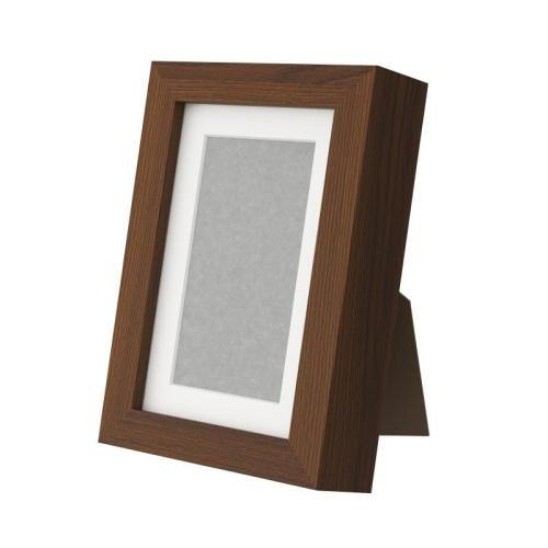 RIBBA Κορνίζα, Καφέ €1,99 Η τιμή αναφέρεται στο συγκεκριμένο προϊόν 90243551 Διαστάσεις προϊόντος Πλάτος12 cm Ύψος17 cm Εικόνα, πλάτος10 cm Εικόνα, ύψος15 cm Πασπαρτού εντός8 cm Πασπαρτού12 cm