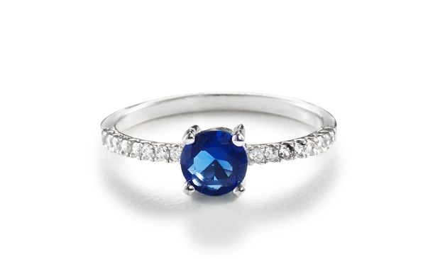 Round created sapphire cubic zirconia ring Silver