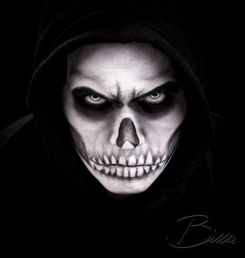 Dark skull makeup by @makeupgeekdelux. www.Billbo.no