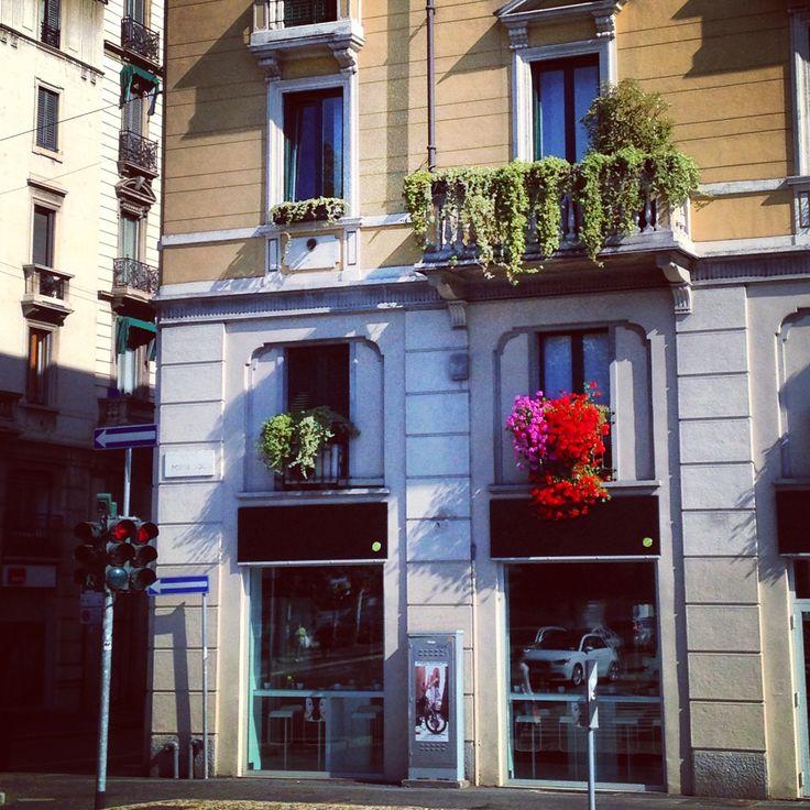 Via Alessandro Volta in Milano, Lombardia http://omnesgreen.tumblr.com