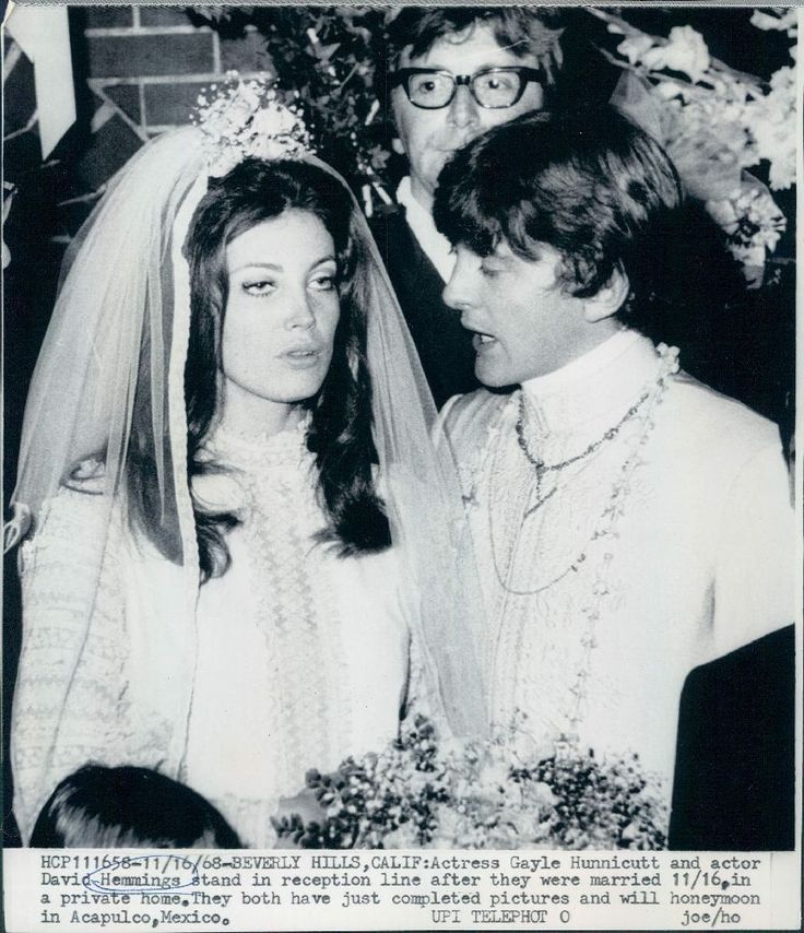 1968 Actors David Hemmings & Gayle Hunnicutt Marry Wire Photo