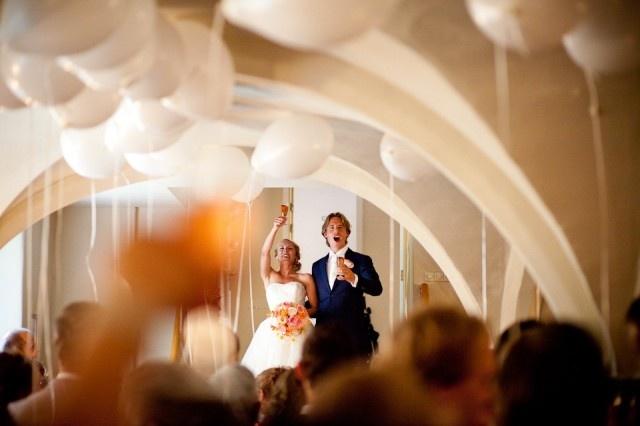 Ballonnen saai? No way! Kijk eens wat dat doet met de ruimte van een ceremonie!