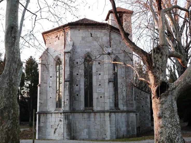 la chiesetta romanica alle risorgive del Timavo (fiume che scorre per la maggior parte nel sottosuolo) - Duino - Trieste