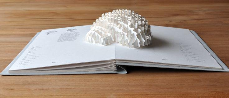 Moon Brouwer / Grafisch Ontwerp / pop-up boek BOVEN KAMERS