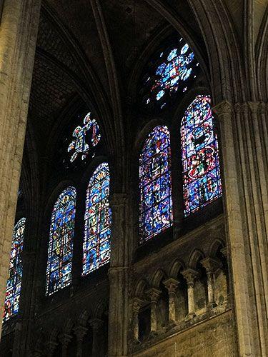 La cathédrale et ses vitraux. Chartres