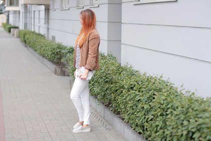 Modna kurtka damska zamsz  białe spodnie damskie stylizacje   stylizacja wiosna na co dzień 2016