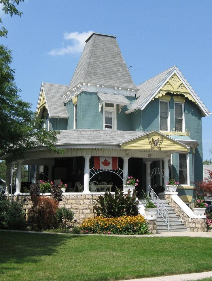 Heritage Home in #ChathamKent #JamesStEatery